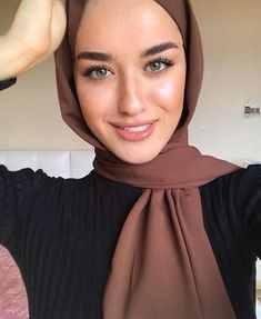 2019 Okt 18 - Technology Will Save Us Gamer DIY Kit 99 Latest Office & Work Outfits Ideas for Women- Cass😇😈 Modest Fashion Hijab, Modern Hijab Fashion, Muslim Women Fashion, Casual Hijab Outfit, Hijab Fashion Inspiration, Hijab Chic, Mode Inspiration, Hijab Makeup, Hijab Style Tutorial