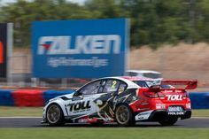 Garth Tander - SKYCITY Triple Crown Darwin - 2013 - V8SCA - HRT