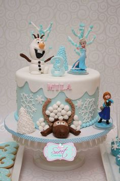 frozen fondant cake anna and elsa Frozen Fondant Cake, Anna Frozen Cake, Disney Frozen Cake, Disney Cakes, Olaf Cake, Fondant Cakes, Elsa Birthday Cake, Frozen Themed Birthday Party, Birthday Parties