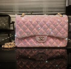 Paris Women Love These Charming Chanel Handbags to Wear in ultimate guide to the hottest fashion handbags style inspiration from around the world. Chanel Handbags, Fashion Handbags, Purses And Handbags, Fashion Bags, 2017 Handbags, Replica Handbags, Fall Handbags, Chanel Fashion, Fashion Clothes