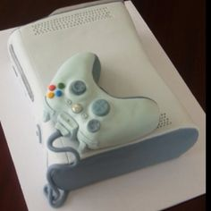 Xbox cake - so want this for my sons birthday.