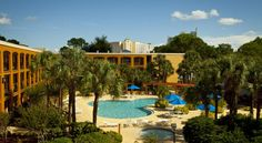 Quality Suites Orlando Close to I-Drive Orlando Quality Suites Orlando Close to I-Drive is located 4.6 km from Universal's Islands of Adventure and The Wizarding World of Harry Potter™ theme parks at Universal Orlando Resort.