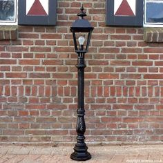 For sale: Miniature victorian lamp post from cast iron. E22 | EXTENSA