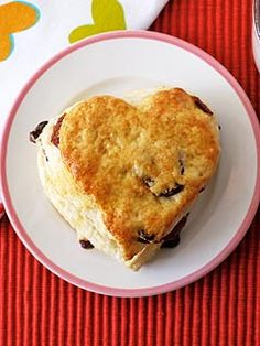 She has lots of Valentine snack ideas... cute!