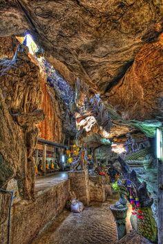 Chiang Dao Cave - Chiang Mai, Thailand