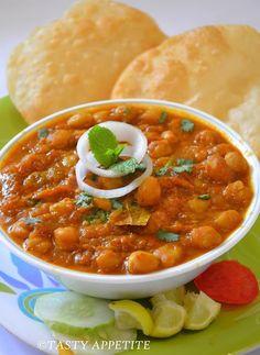 Authentic Chhole Bhature  tastyappetite.blo......, ,