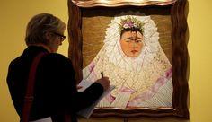 La pintora mexicana también dominaba la lengua de Cervantes y dejó muestra de su talento.