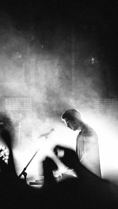 tyler joseph |-/ black and white photography |-/ twenty one pilots concert