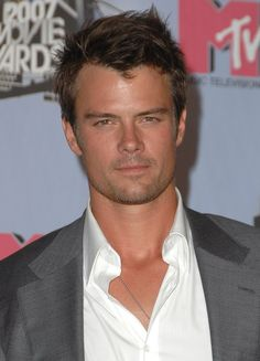 Josh looked serious — and seriously sexy — in June 2007 for the MTV | 45 Really, Ridiculously Good-Looking Pictures of Josh Duhamel | POPSUGAR Celebrity UK Photo 11