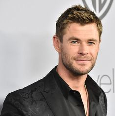 Chris Hemsworth attend the 2018 InStyle and Warner Bros. 75th Annual Golden Globe Awards Post-Party.