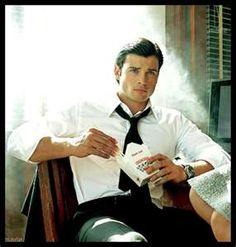 Tom Welling - looks more like Bruce Wayne than Clark Kent, here. ;)