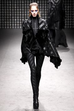 Gareth Pugh Fall/Winter 2011-12 Gareth Pugh plays with this trend quite often.