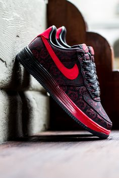 Releasing: Nike Lunar Force 1 Shanghai QS