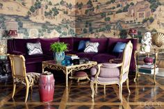 Alex Papachristidis- ELLEDecor.com Bohemian Living Rooms, Eclectic Living Room, Cozy Living Rooms, Elle Decor, Colorful Couch, Small Room Design, Painted Floors, Painted Wood, Hand Painted