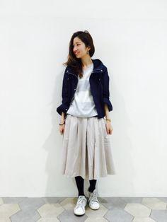 フワッとスカート合わせて♪ <春夏ファッション マウンテンパーカー・レディース>