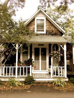 Cottage at Oak Bluffs, Martha's Vineyard. Brown and white cottage. Little Cottages, Small Cottages, Cabins And Cottages, Beach Cottages, Best Tiny House, Cute House, Small House Plans, Cute Little Houses, Cute Small Houses