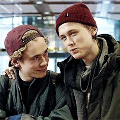 skam isak and even gif 3x08