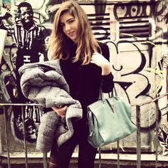 Graffiti à Paris. #Saintlaurent#bag#graffiti#ghetto#model#totalblack