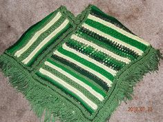 Bold stripes of green with sparkling highlights