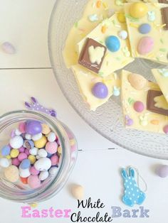 Easter White Chocolate Bark with only a couple of ingredients! So cute and ideal for a small, inexpensive Easter gift