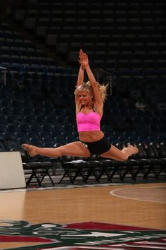 Milwaukee Bucks cheerleader auditions