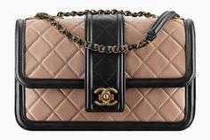 Вещь дня: сумка-конверт Chanel
