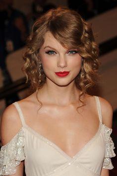 All About Taylor Swift, Taylor Swift Hot, Taylor Swift Style, Selena, Taylor Swift Wallpaper, Taylor Swift Pictures, Beautiful Celebrities, Beautiful Women, Beautiful Hijab