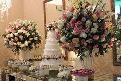 Mesa do bolo De A a Z Produções e Eventos