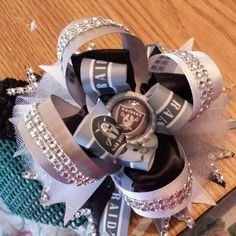 Raiders over the top stacker bow  $15