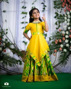 Womens Fashion For Over 50 Girls Frock Design, Kids Frocks Design, Baby Frocks Designs, Baby Dress Design, Kids Dress Wear, Kids Gown, Frocks For Girls, Gowns For Girls, Baby Girl Party Dresses