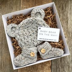 Pregnancy Announcement Gift Set - Baby Bear Due - Gift Box - Grandparents to be - Reveal - Newborn - Photography Prop - Advent - Schwangerschaft Baby Set, Baby Love, Baby Gift Box, New Baby Gifts, Mom To Be Gifts, Baby Gift Wrapping, Newborn Baby Gifts, Newborn Photography Props, Newborn Photos