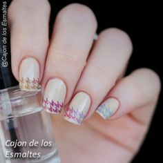 Transfers para uñas - Francesita multicolor   http://www.ladyqueen.com/1-sheet-rainbow-houndstooth-pattern-nail-art-water-transfers-decals-na0375.html