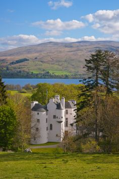 A century castle on Loch Earn, Stirling council area of Scotland. Beautiful Castles, Beautiful Buildings, Beautiful Places, Scotland Castles, Scottish Castles, England Ireland, England And Scotland, Places To Travel, Places To See