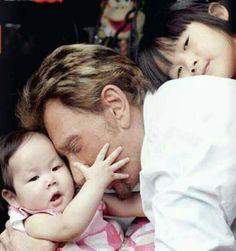 Johnny Hallyday et ses filles Johnny Halliday, Christian Audigier, Johnny Depp, Boss, Idole, Angels, Films, Portraits, Entertainment