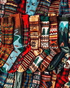 Cozy Mountain Weekend – Classy Girls Wear Pearls – Most Comfortable Things Cabin Socks, Cozy Socks, Cozy Cabin, Gq, Tartan, Neue Outfits, Classy Girl, Winter Mode, Cozy Christmas