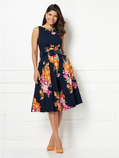 super cute and classy! New York & Company Eva Mendes Collection - Felicity Fit and Flare Dress Evening Gowns With Sleeves, Plus Size Evening Gown, Semi Casual, Bridesmaid Dresses Plus Size, Modest Dresses, Petite Dresses, Modest Outfits, Fit N Flare Dress, Fit And Flare