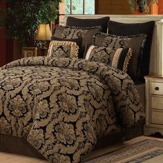 (Click to order - $219.99) Amelia Chenille Jacquard 8 Piece Comforter Set Size: Queen From Wildon Home