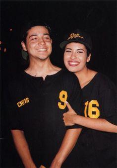 32 pics that prove Selena Quintanilla and Chris Perez were totally Selena Quintanilla Perez, Selena And Chris Perez, Selena Pictures, Idole, Queen, American Singers, Corpus Christi, Role Models, Relationship Goals