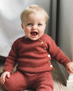 Baby yarns and cutie patterns for baby knits from PetiteKnit – LoopKnitlounge - Pulli Sitricken Kids Knitting Patterns, Knitting For Kids, Baby Knitting, Knitting Projects, Aran Weight Yarn, Sport Weight Yarn, Baby Set, Baby Barn, I Cord