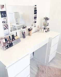 Thank you @polabora so much for these amazing photos!! I love them! #polabora #picoftheday #interior #fashion #makeup