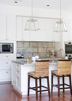 Splash back which conserves original sandstone wall Kitchen Interior, New Kitchen, Kitchen Dining, Kitchen Ideas, Space Kitchen, Sandstone Wall, Hamptons Kitchen, Splashback, Beautiful Interiors