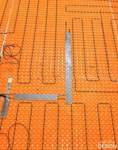 Useful Walk-in Shower Design Ideas For Smaller Bathrooms – Home Dcorz Heated Bathroom Floor, Bathroom Tub Shower, Tub Shower Combo, Bathroom Flooring, Master Bathroom, Tub To Shower Remodel, Diy Bathroom Remodel, Installing Heated Floors, Walk In Shower Designs