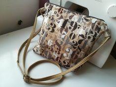 un tuto facile, un sac à bandoulière simple et toujours utile dans la routine d'une femme; Mesures 50x28 cm,