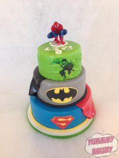 Superhero birthdaycake superman batman hulk spiderman