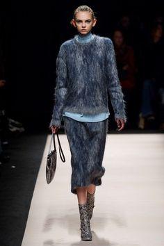 Sfilata N°21 Milano - Collezioni Autunno Inverno 2015-16 - Vogue
