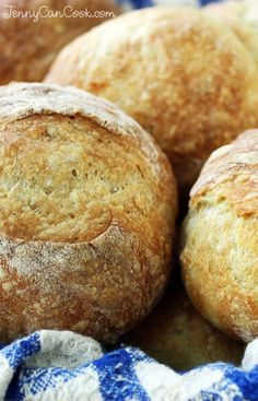No Knead Crusty Rolls recipe from Jenny Jones (JennyCanCook.com) - Never buy rolls at a bakery again. This recipe is foolproof. #crustyrolls #nokneadbread #jennyjones
