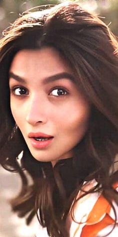 Beautiful Indian Actress, Beautiful Actresses, Alia Bhatt Cute, Idli Recipe, Indian Movies, Indian Actresses, Awkward, Movie Stars, Faces