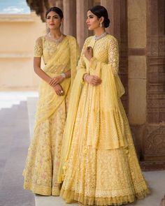 India's most trusted Wedding Planning platform - Designer Dresses Couture Indian Bridal Outfits, Indian Bridal Lehenga, Indian Bridal Wear, Indian Gowns, Indian Designer Outfits, Indian Attire, Pakistani Dresses, Designer Dresses, Bridal Mehndi