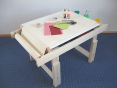 great drawing table for children Diy For Kids, Crafts For Kids, Nursery Storage, Creative Kids, Kid Spaces, Kidsroom, Diy Projects To Try, Drafting Desk, Toys