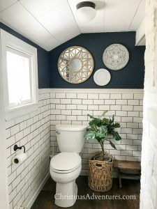 Benjamin Moore Hale Navy: The Best Navy Blue Paint Color Blue Bathroom Paint, Small Bathroom Paint Colors, Navy Blue Bathrooms, White Bathroom, Small Dark Bathroom, Navy Blue Bathroom Decor, Playroom Paint Colors, Ikea Bathroom, Downstairs Bathroom